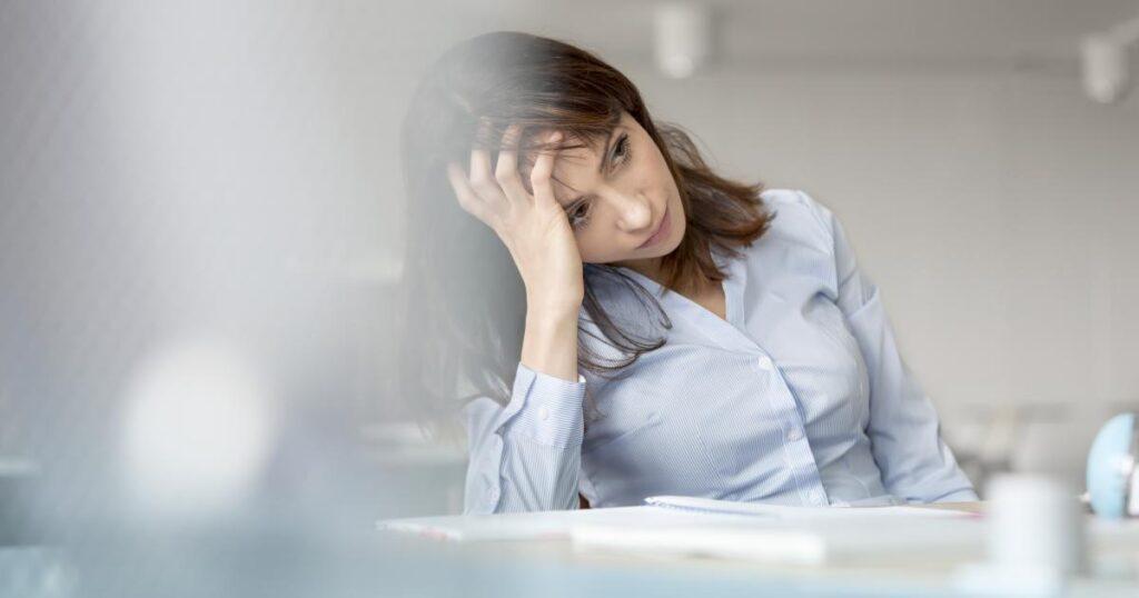 Herzinfarkt-Symptome bei Frauen   Warnzeichen für